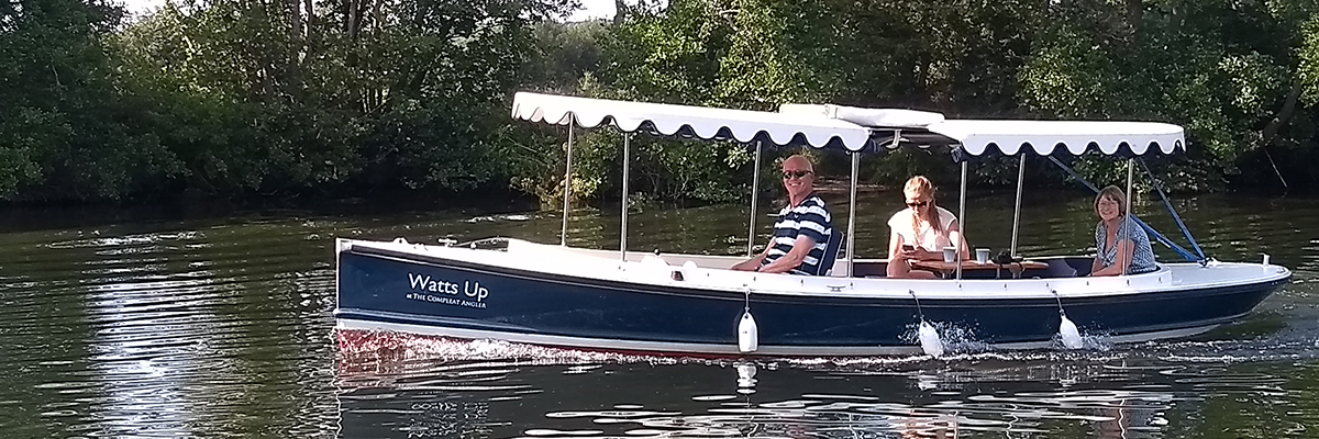 Family boat hire from Marlow on the River Thames
